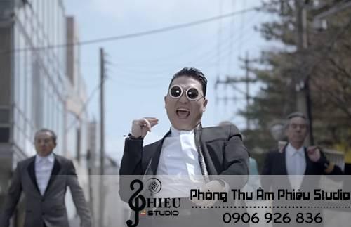 Psy chứng tỏ bản lĩnh đàn anh tại Hàn Quốc